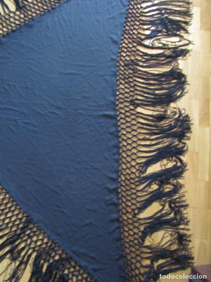 Antigüedades: Manton de manila triangular negro, sin bordados - Foto 5 - 244733535