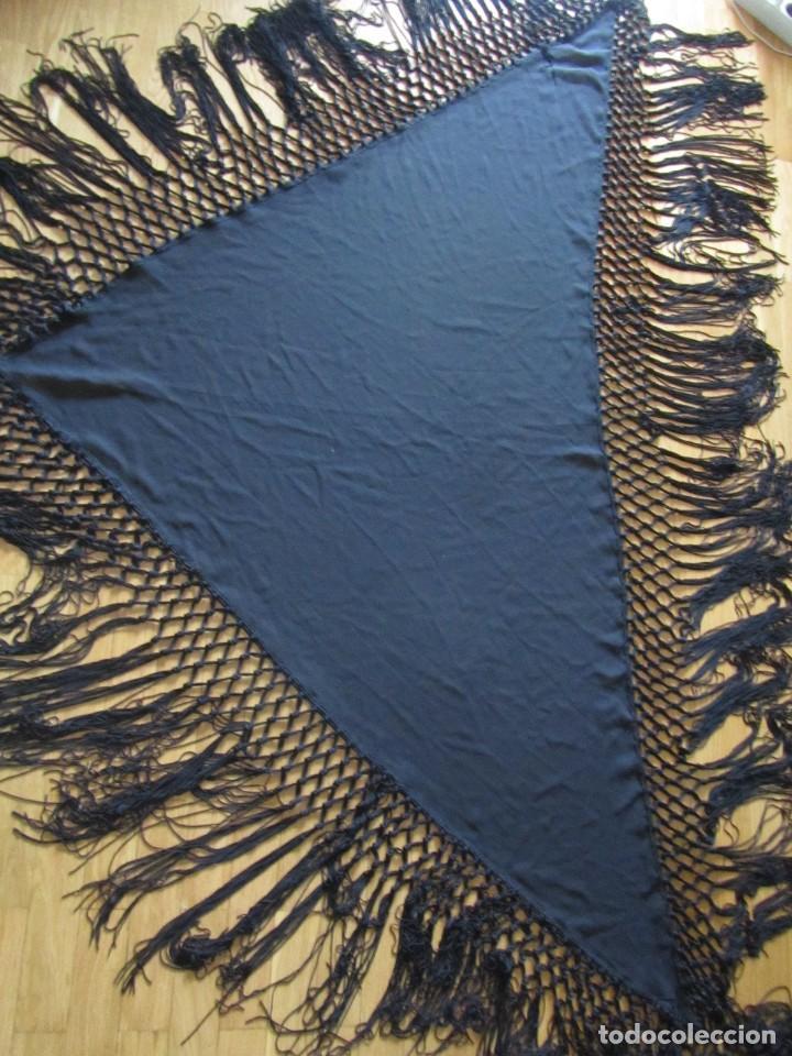 Antigüedades: Manton de manila triangular negro, sin bordados - Foto 6 - 244733535
