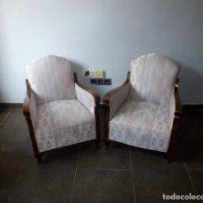Antigüedades: PAREJA DE BUTACAS DESCALZADORAS-ALGUNOS PUNTOS DE CARCOMA.. Lote 244765545