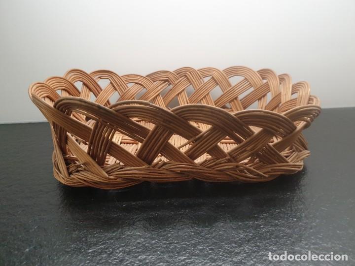 Antigüedades: Antigua Bandeja Cesta de Mimbre 32x40x12 (Envío 4,31€) - Foto 2 - 244782370