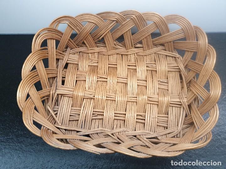 Antigüedades: Antigua Bandeja Cesta de Mimbre 32x40x12 (Envío 4,31€) - Foto 3 - 244782370