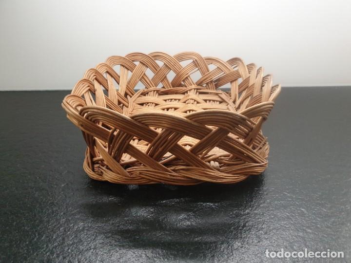 Antigüedades: Antigua Bandeja Cesta de Mimbre 32x40x12 (Envío 4,31€) - Foto 6 - 244782370
