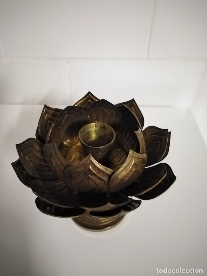 Antigüedades: Candelabros pareja portavelas en forma de flor antiguos - Foto 3 - 244814150