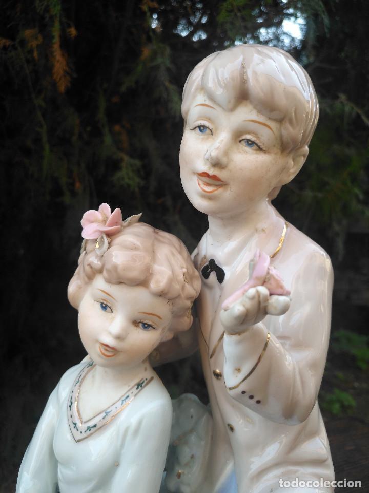 Antigüedades: Figura de porcelana Viejo París. Pareja de niños. - Foto 2 - 244835950