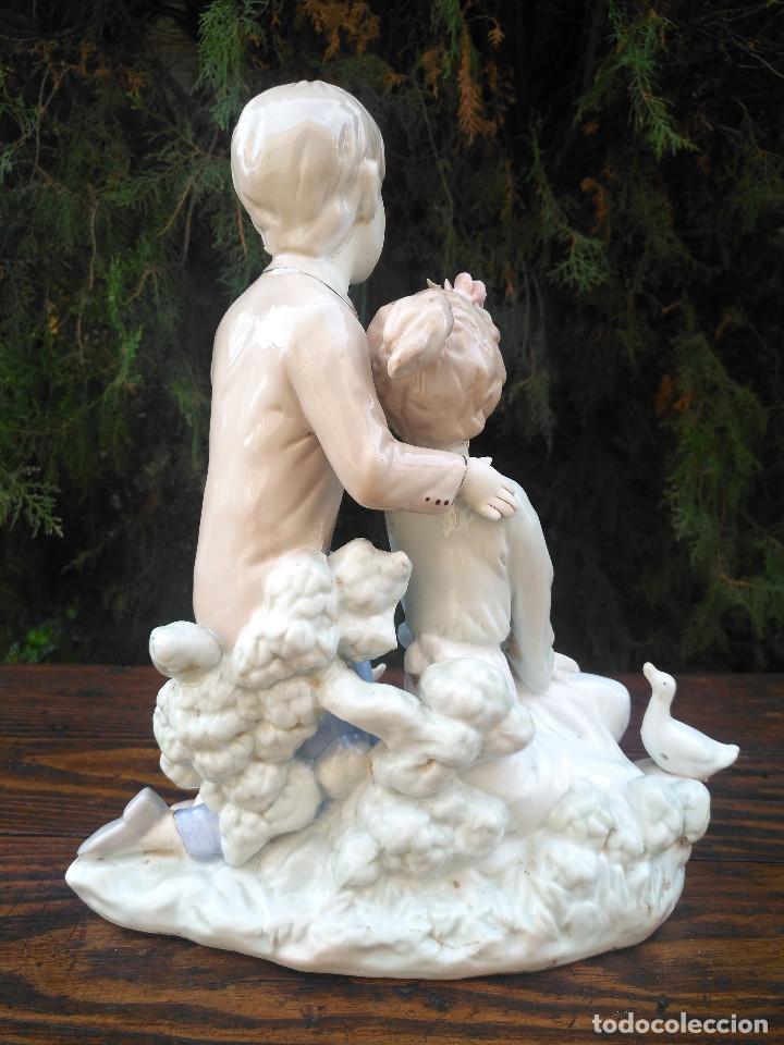 Antigüedades: Figura de porcelana Viejo París. Pareja de niños. - Foto 4 - 244835950