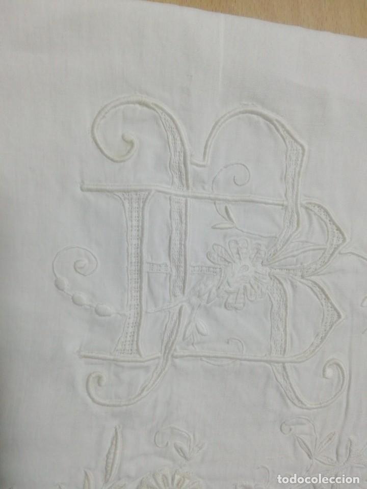 Antigüedades: *FUNDAS ALMOHADA BORDADA. LINO. (Rf:267/c) - Foto 2 - 244874685