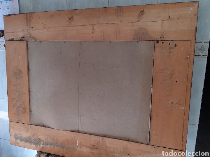 Antigüedades: Gran Espejo con marco de madera y tapiz.. 101 x 79 cm - Foto 7 - 244887695