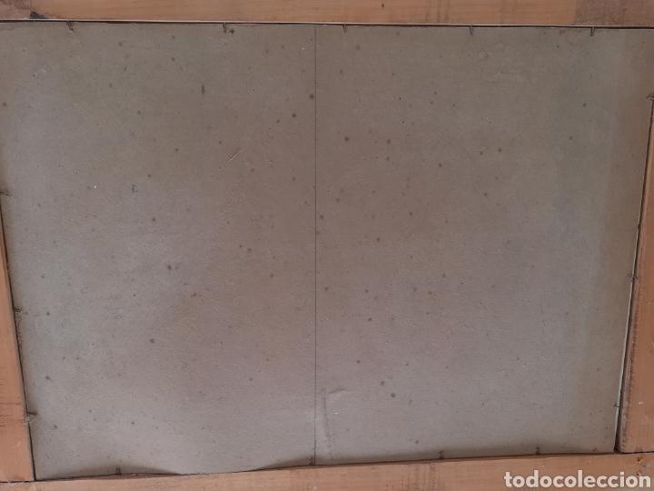 Antigüedades: Gran Espejo con marco de madera y tapiz.. 101 x 79 cm - Foto 10 - 244887695