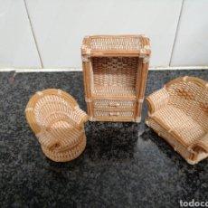 Antiguidades: MUEBLES EN MINIATURA D RESINA. Lote 244918570
