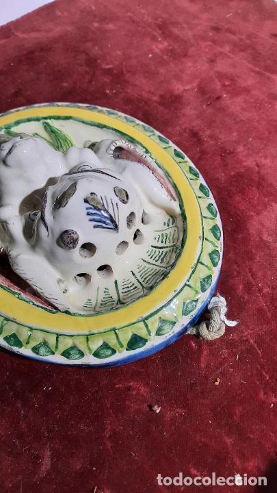 Antigüedades: curiosa pieza de ceramica esmaltada de siglo xviii alcora ,ribesalbes?soporte de pared para flores - Foto 5 - 244968490