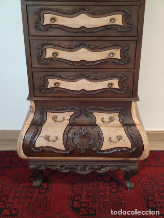 Antigüedades: Bello y elegante mueble auxiliar con 6 cajones. interesante forma abombada. 132 x 72 x 43 cm de fond - Foto 3 - 245057985