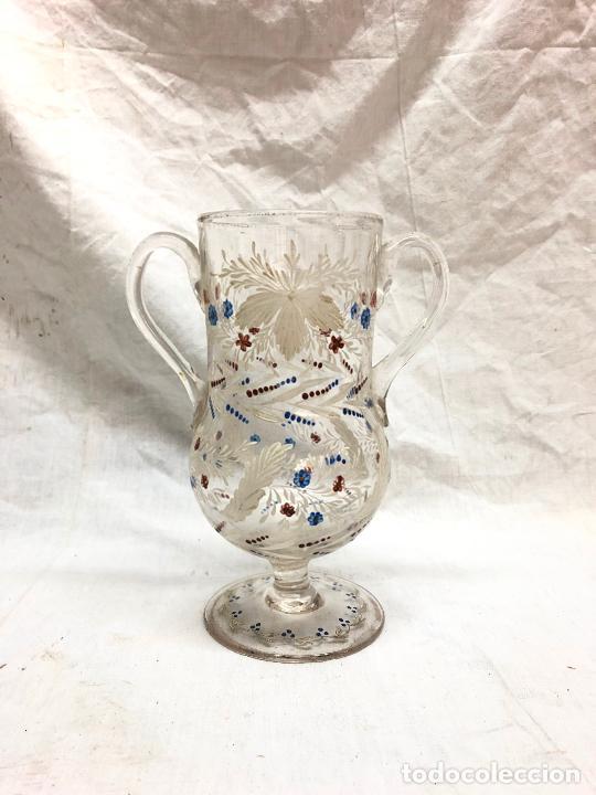 JARRA DE CRISTAL DE LA GRANJA PINTADO Y SOPLADO A MANO TIENE ALGUN DEFECTO EN BASE UN PELO RESEÑADO (Antigüedades - Cristal y Vidrio - La Granja)