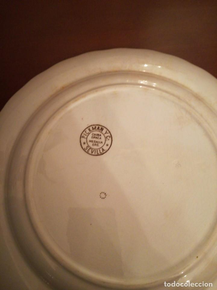 Antigüedades: Antiguo plato llano Pickman Medalla de Oro - Foto 5 - 245095490