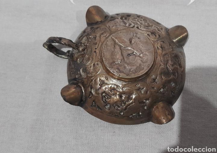 Antigüedades: Cenicero labrado y punzonado Antiguo. Ver fotos. - Foto 3 - 245115160