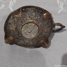 Antigüedades: CENICERO LABRADO Y PUNZONADO ANTIGUO. VER FOTOS.. Lote 245115160