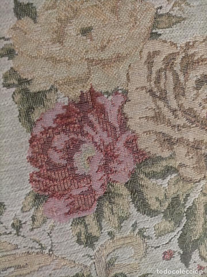 Antigüedades: ALFOMBRA ALFOMBRILLA FLORAL TIPO TAPIZ . 120 X 70 CM - Foto 4 - 245170250