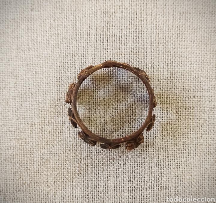 Antigüedades: Corona dorada para santo o virgen - Foto 3 - 245176135