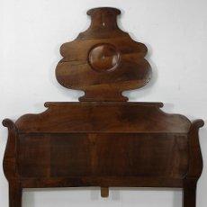 Antigüedades: CABEZAL DE CAMA ISABELINO - MADERA DE NOGAL - MARQUETERÍA DE ZINC - PERFECTO - S. XIX. Lote 245183745