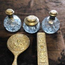 Antigüedades: ANTIGUO CONJUNTO DE TOCADOR CRISTAL TALLADO Y LABRADO. Lote 245192220