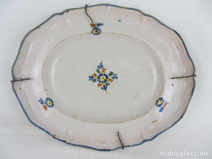 BANDEJA EN CERÁMICA POLILOBULADA DE ALCORA - SIGLO XIX (Antigüedades - Porcelanas y Cerámicas - Alcora)