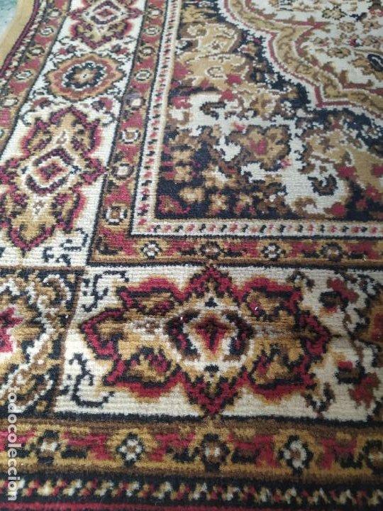 Antigüedades: Antigua alfombra de nudos de lana. Medidas 227 x 170 cm. - Foto 3 - 245216595