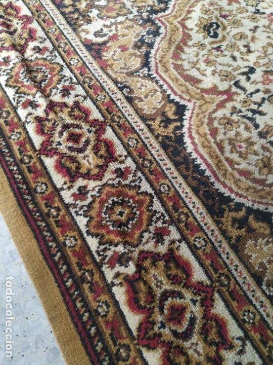 Antigüedades: Antigua alfombra de nudos de lana. Medidas 227 x 170 cm. - Foto 4 - 245216595