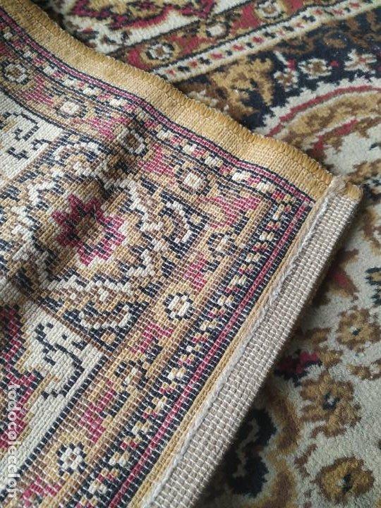 Antigüedades: Antigua alfombra de nudos de lana. Medidas 227 x 170 cm. - Foto 5 - 245216595