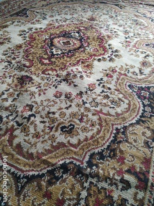 Antigüedades: Antigua alfombra de nudos de lana. Medidas 227 x 170 cm. - Foto 9 - 245216595