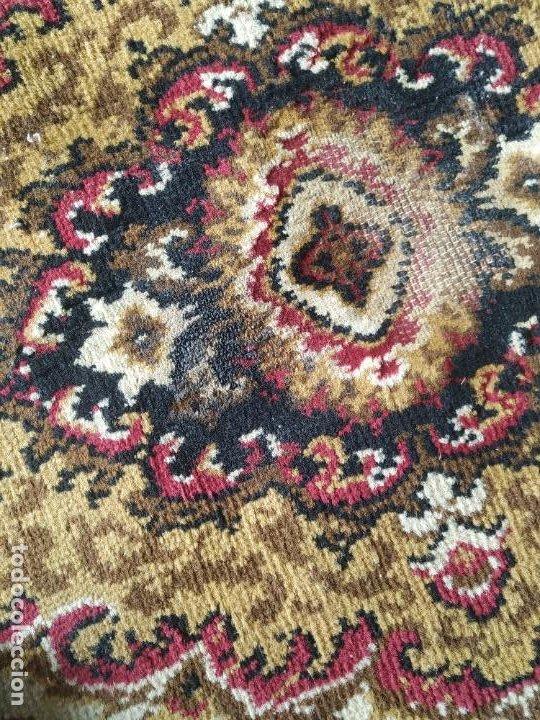 Antigüedades: Antigua alfombra de nudos de lana. Medidas 227 x 170 cm. - Foto 11 - 245216595