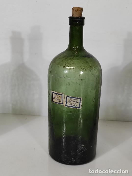 Antigüedades: Lote de Botellas Cristal Verde Soplado - Bote de Farmacia - Tapón de Corcho - Principios S. XX - Foto 7 - 245234840