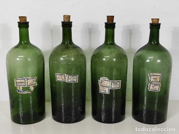 Antigüedades: Lote de Botellas Cristal Verde Soplado - Bote de Farmacia - Tapón de Corcho - Principios S. XX - Foto 12 - 245234840