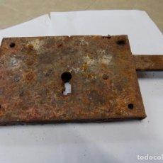 Antigüedades: TRASTOS VIEJOS CERRADURA EL QUE VES. Lote 245260960