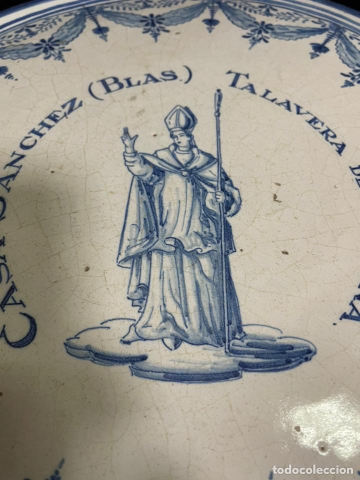 Antigüedades: Pastelera plana grande frutero Talavera Ruiz de Luna 36cm diámetro - Foto 2 - 245263540