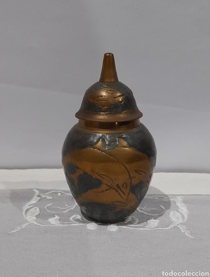JARRÓN ANTIGUO DE BRONCE ESMALTADO . VER FOTOS. (Antigüedades - Hogar y Decoración - Jarrones Antiguos)