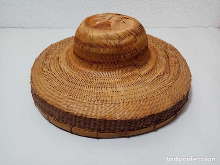 SOMBRERO SALACOT EN FIBRA VEGETAL (Antigüedades - Moda - Sombreros Antiguos)