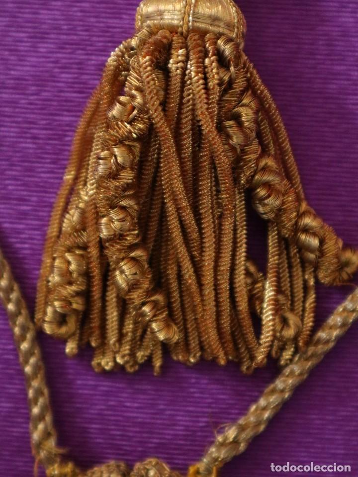 Antigüedades: Ceñidor de cuello de alba o roquete elaborado en hilo de oro. Hacia 1900. - Foto 6 - 245297555