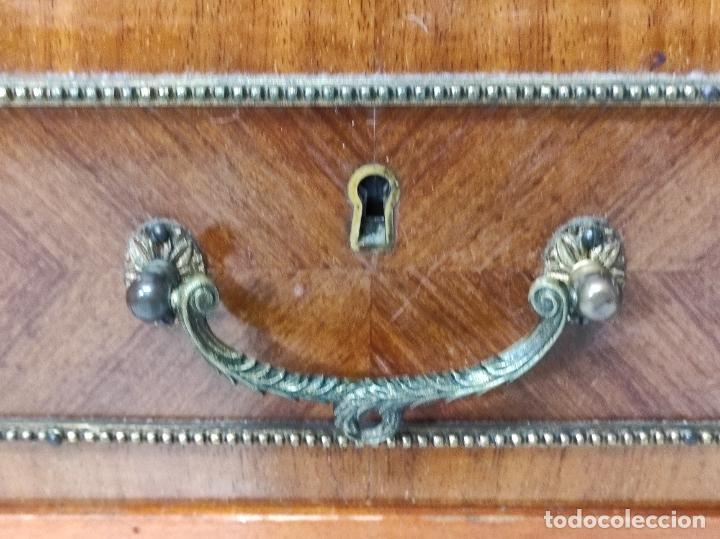 Antigüedades: Bonito Secreter Estilo Luis XV - Escritorio - Diferentes Maderas con Marquetería, Bronce y Mármol - Foto 6 - 245354475