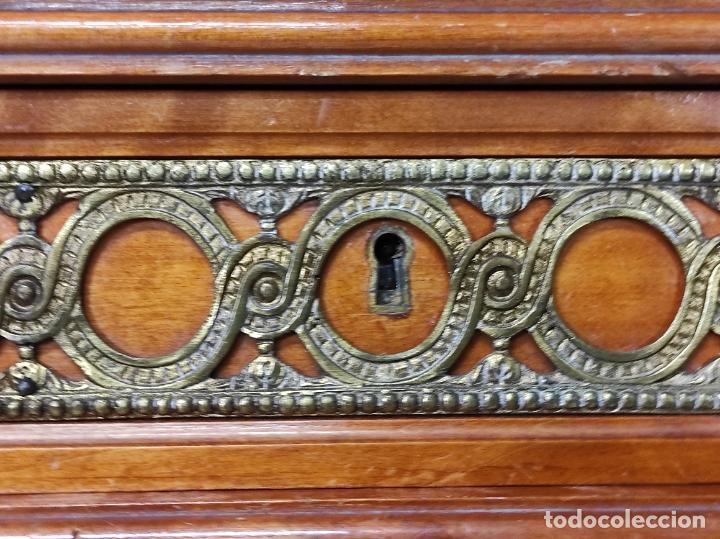 Antigüedades: Bonito Secreter Estilo Luis XV - Escritorio - Diferentes Maderas con Marquetería, Bronce y Mármol - Foto 14 - 245354475