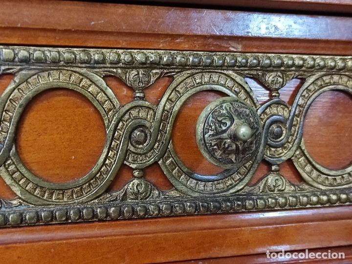 Antigüedades: Bonito Secreter Estilo Luis XV - Escritorio - Diferentes Maderas con Marquetería, Bronce y Mármol - Foto 15 - 245354475