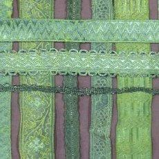 Antigüedades: LOTE DE GALONES METALICOS DORADOS. Lote 245370240