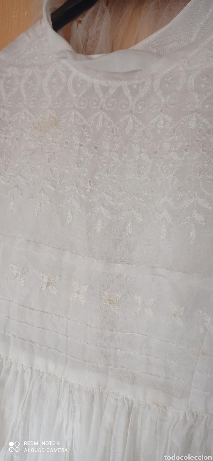 Antigüedades: CONJUNTO VESTIDO COMUNION ANTIGUO CORONA CON TUL VELO - Foto 2 - 245376690