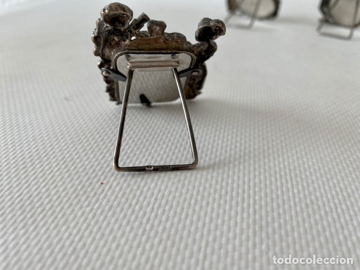 Antigüedades: Conjunto de tres pequeños Portafotos de plata de ley contrastada. Porta fotos - Foto 4 - 245391145
