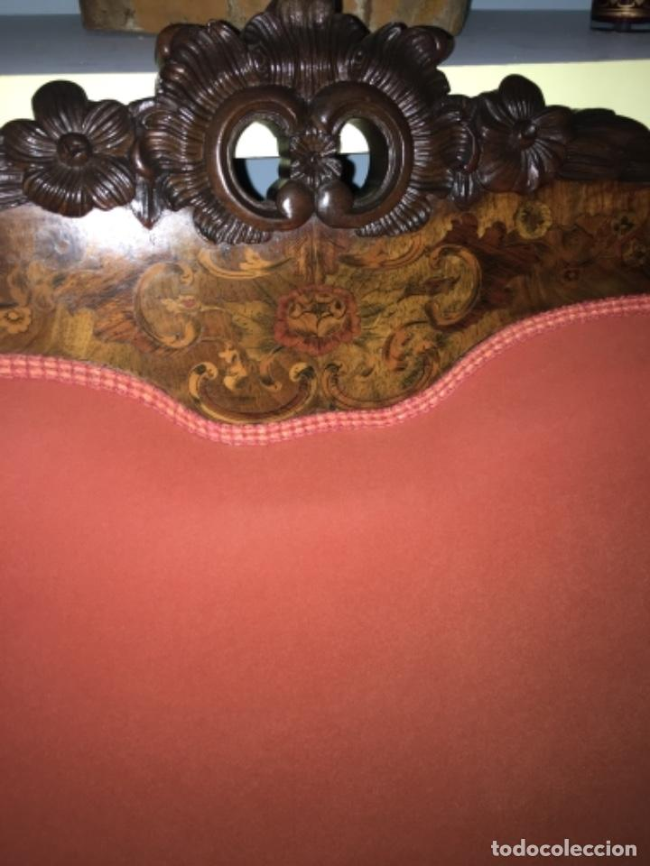 Antigüedades: Sofá con diferentes maderas embutidas de terciopelo. - Foto 5 - 245401490