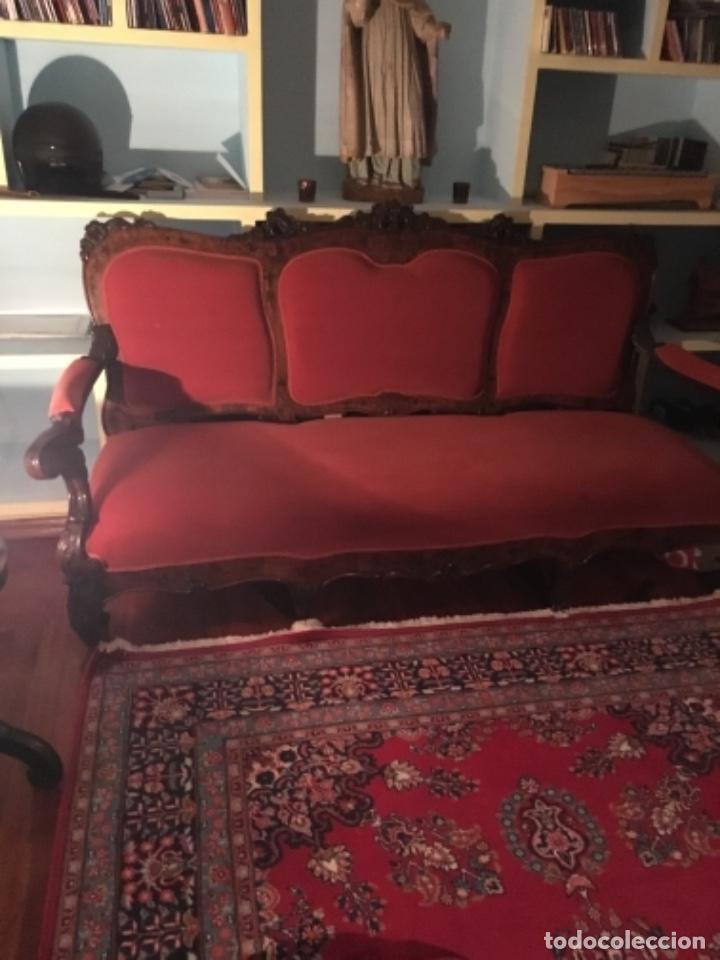 Antigüedades: Sofá con diferentes maderas embutidas de terciopelo. - Foto 9 - 245401490