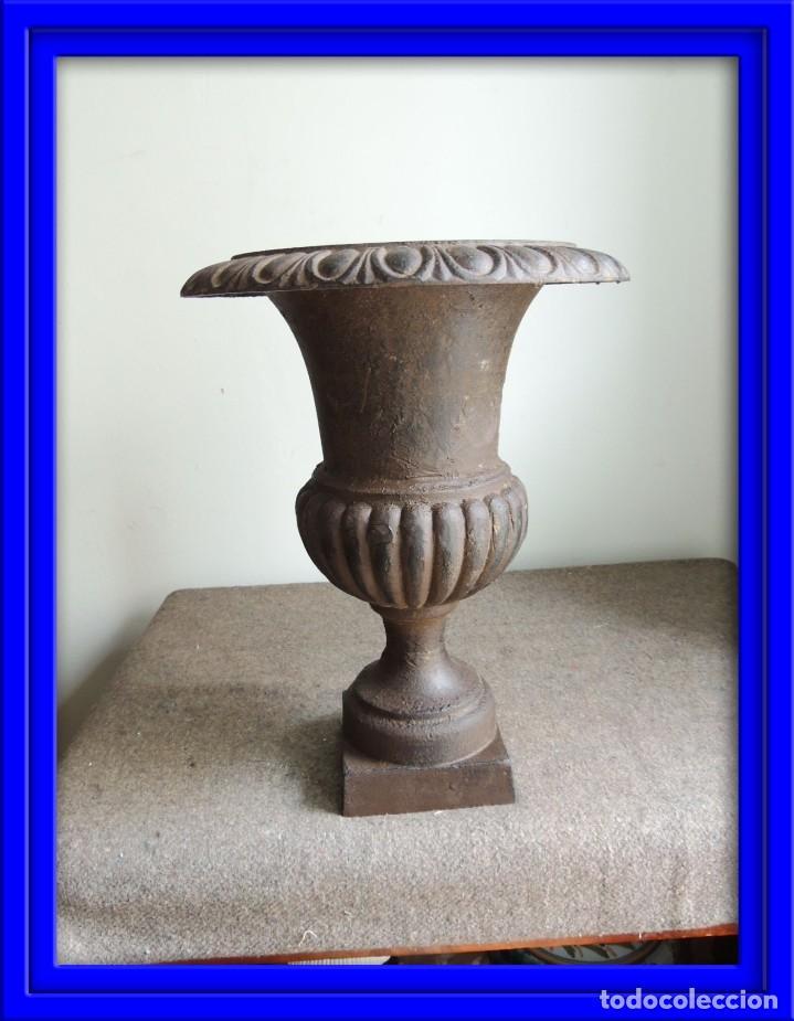 COPA DE HIERRO ALTURA 40 CM (Antigüedades - Hogar y Decoración - Copas Antiguas)