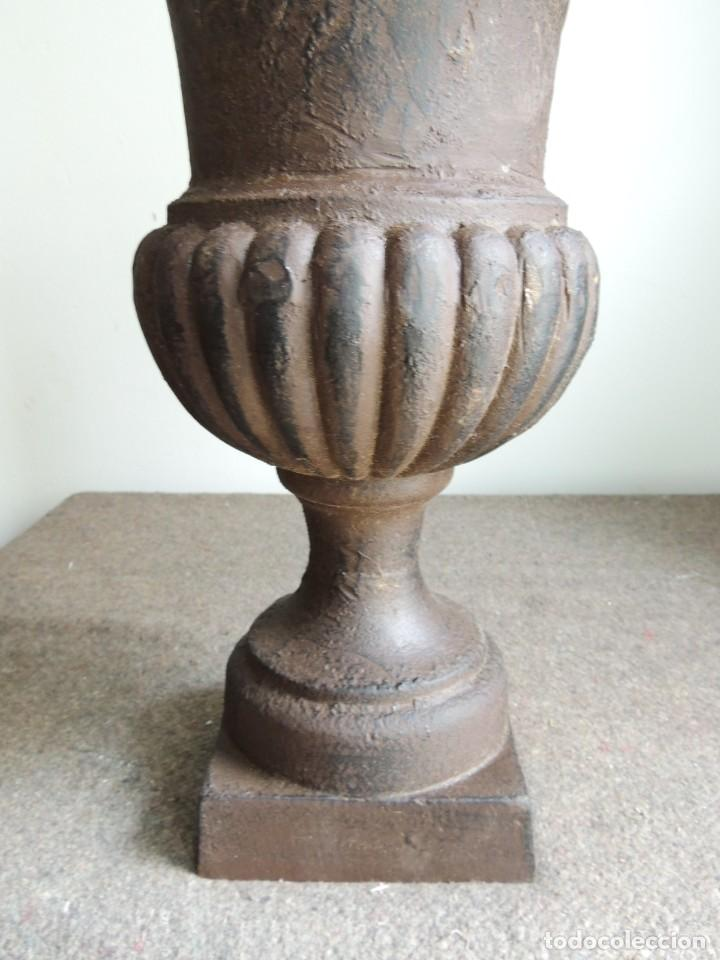 Antigüedades: COPA DE HIERRO ALTURA 40 CM - Foto 2 - 245419875