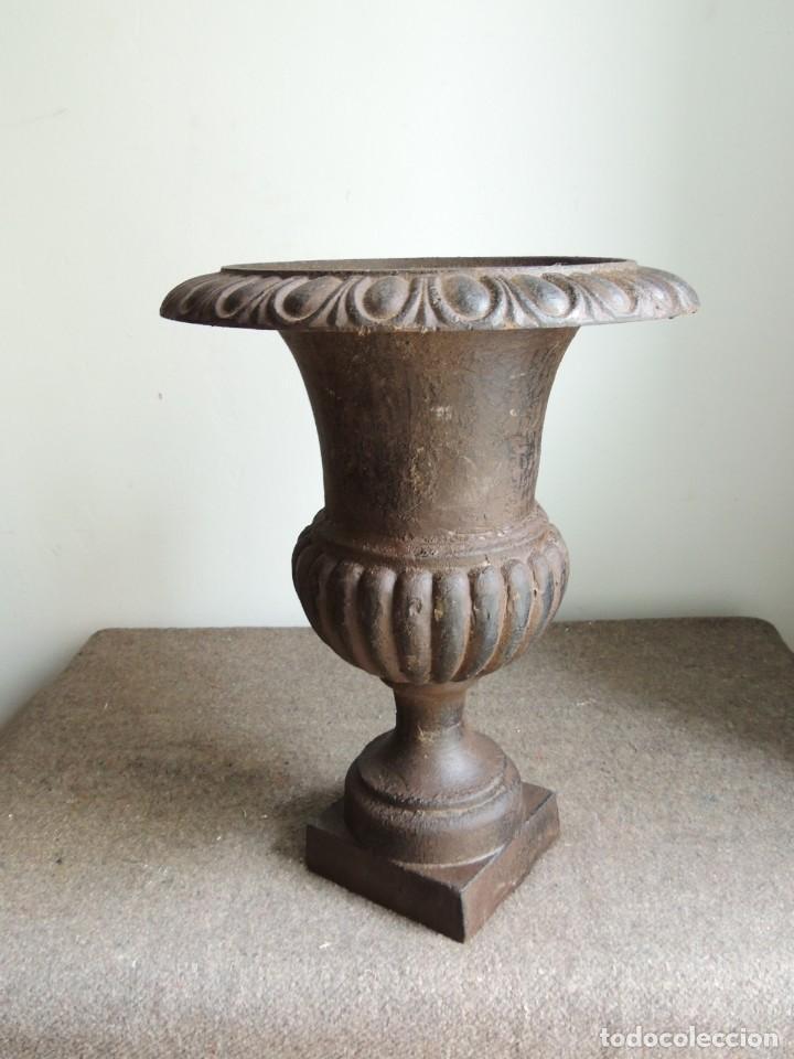 Antigüedades: COPA DE HIERRO ALTURA 40 CM - Foto 3 - 245419875