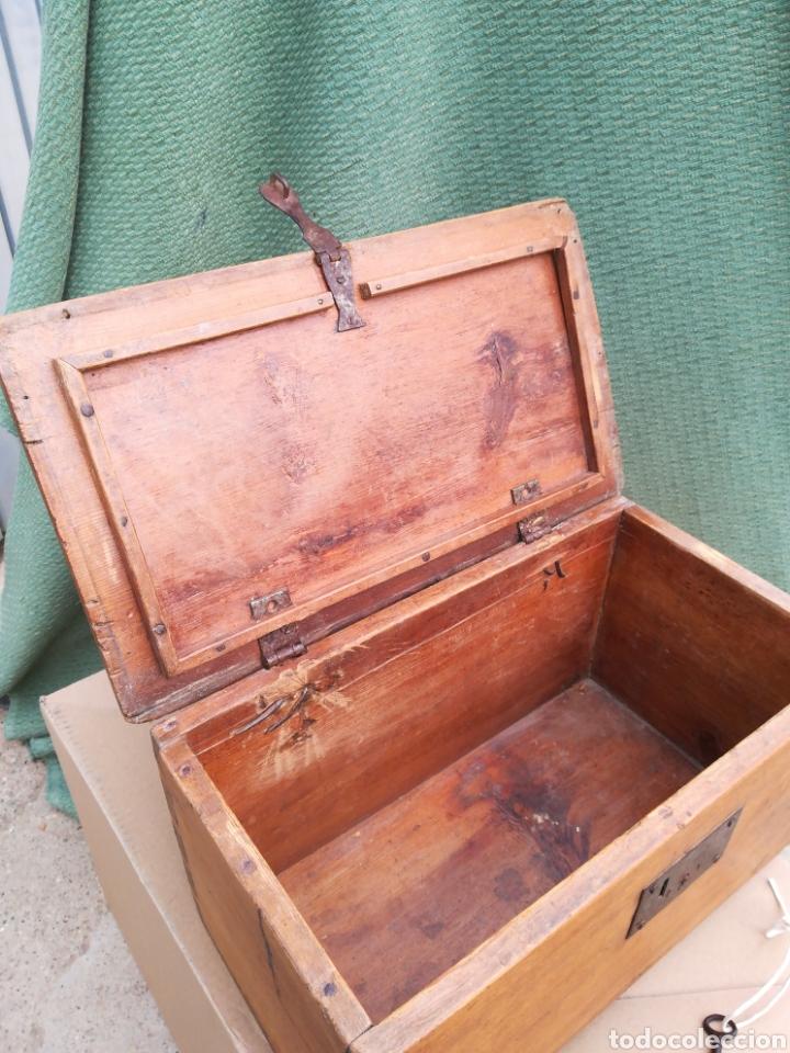 Antigüedades: Caja caudales fuerte arqueta baúl escritorio cofre joyero con su cerradura y llave funcionando!! - Foto 6 - 245436040