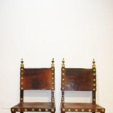 Antigüedades: LOTE DE 2 SILLAS ANTIGUAS RENACIMIENTO ESPAÑOL. Lote 245457705