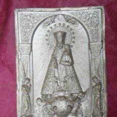 Antigüedades: PLACA RELIEVE VIRGEN DESAMPARADOS ANTIGUA VALENCIA TIPO PLATA. Lote 245493030